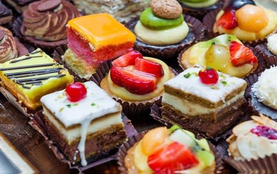 سفارش کیک و شیرینی